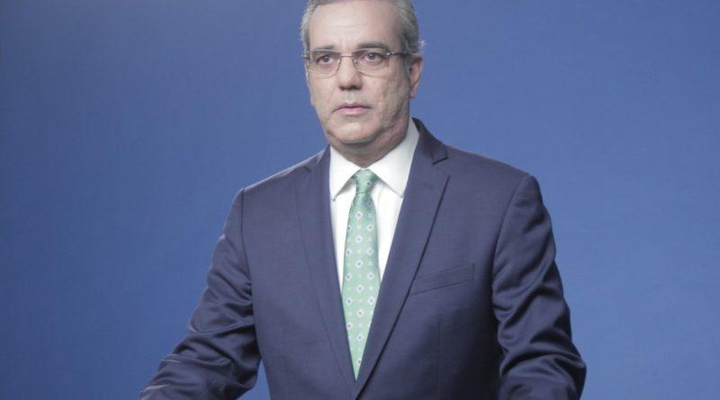 Luis Abinader denuncia expiden pasaportes para encubrir delincuentes