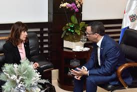 Andrés Navarro y embajadora EEUU relanzan relación para calidad educativa