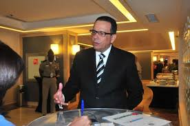 Peña Mirabal  promete a profundizar la Revolución Educativa