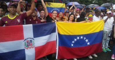 República Dominicana amplía facilidades a venezolanos indocumentados para regularse
