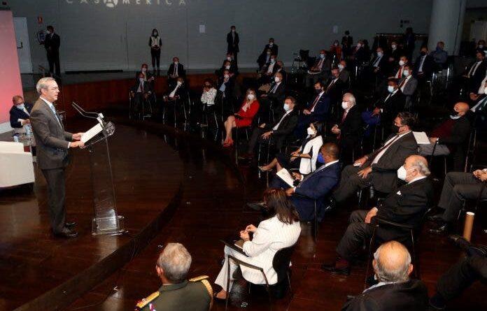 Presidente Abinader ofrece a empresarios españoles invertir en RD